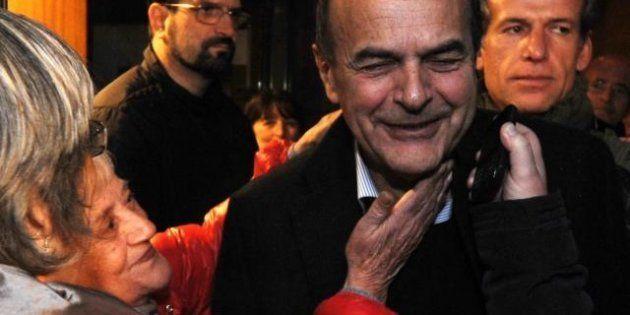Primarie centrosinistra, Bersani vince ma non sfonda. Al ballottaggio con Renzi, puntando a Palazzo
