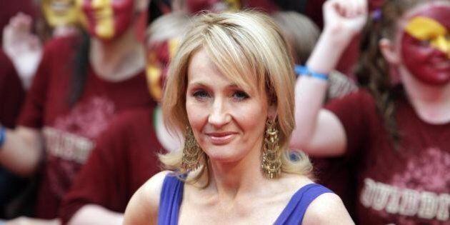 Harry Potter, la scrittrice JK Rowling contro l'indipendenza della Scozia: 1 milione di euro al comitato...