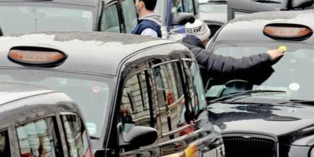 Uber, sciopero dei taxi in tutta Europa. Da Londra a Milano tutti contro la