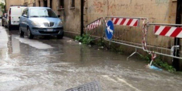 Maltempo, ciclone Cleopatra sulla Sardegna. Morta una donna in provincia di Oristano. Dispersi in