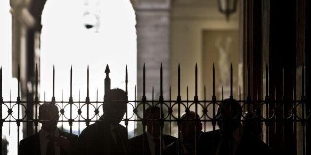 Silvio Berlusconi: blitz notturno della Polizia Palazzo Grazioli per verificare che fosse in casa. Il...