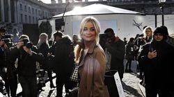 Sfilata nelle strade di Londra per la settimana della moda
