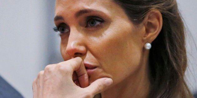 Angelina Jolie piange al vertice di Londra contro gli stupri di guerra: