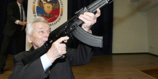 Mikhail Kalashnikov morto, inventore del famoso fucile d'assalto russo