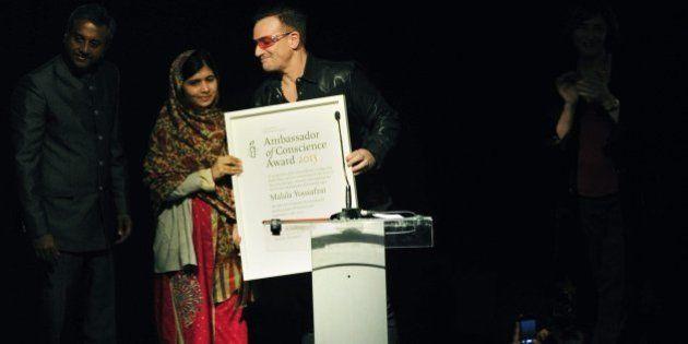 Malala Yousafzai, Amnesty la nomina ambasciatrice della conoscenza insieme al cantante Harry Belafonte