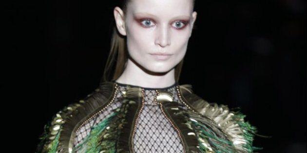 Moda Milano / La dark lady di Gucci, tacchi acuminati e femminilità solenne