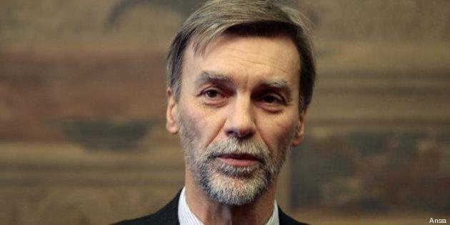 Il ministro Graziano Delrio: no al matrimonio
