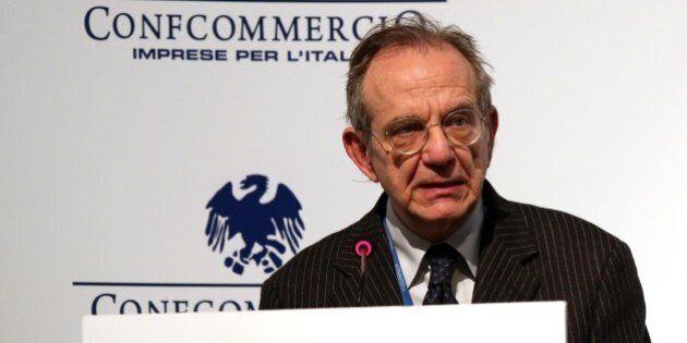 Pier Carlo Padoan annuncia nuove privatizzazioni per ridurre il debito. Insiste sul rigore, ma dice:...