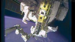Gli astronauti riparano la slitta (FOTO,