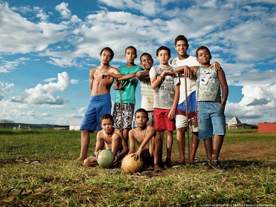 Coppa del mondo 2014: le foto del Brasile lontano dagli Stadi del Mondiale. Il fotoreportage