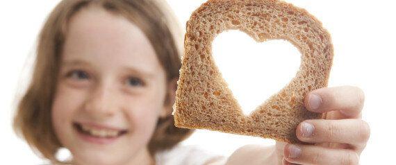 Pane fatto in casa, una danza manuale. Scopri i tre consigli di felicità quotidiana della nostra rubrica...