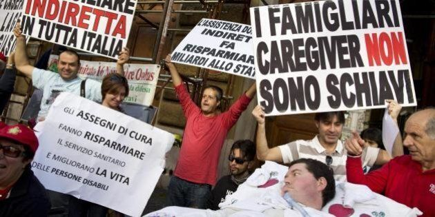 Disabili, protesta per assistenza domiciliare. Malato di Sla stacca respiratore.