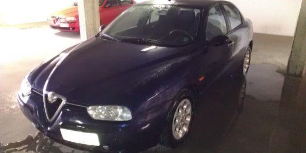 Auto blu (e rosse) in vendita su eBay. Il governo punta sulle low cost. Si parte da 200 euro, ma le offerte...