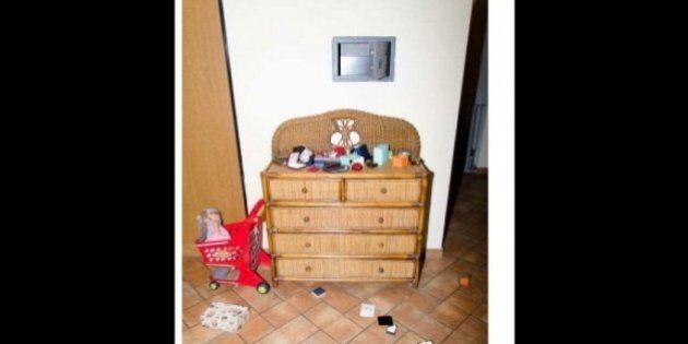 Carlo Lissi uccide la moglie e i due figli. Le foto: il depistaggio, l'arma del delitto, i tagli sulle...