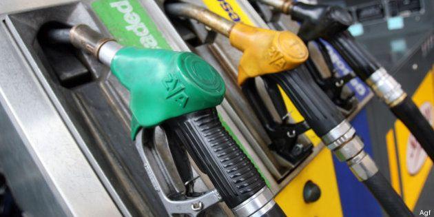 Sciopero dei benzinai, in città gestori fermi fino a giovedì mattina. E contro il caro-carburante fa...