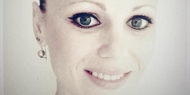 Cancro al seno, pubblica su Facebook le foto del corpo dopo l'operazione: in cento le tolgono l'amicizia