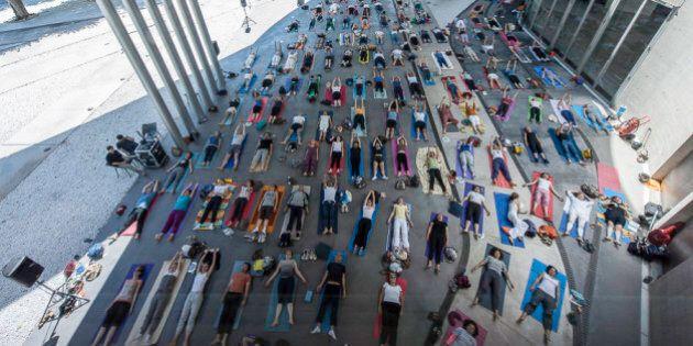 Yoga al Maxxi, il Museo d'Arte Contemporanea di Roma si apre a yogi e yogini. Scrub di sabbia e altre...