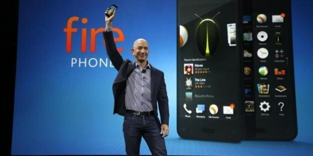 Fire Phone, Amazon lancia lo smartphone in 3D. La sfida a Apple e Samsung