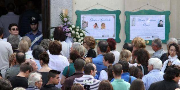 Funerali di Maria Cristina Omes e dei figli Giulia e Gabriele, trucidati dal padre Carlo Lissi.