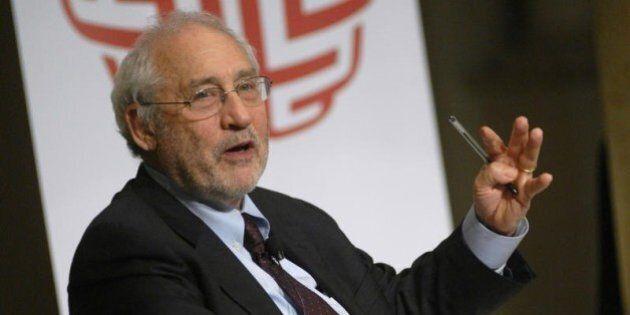 Il premio Nobel Joseph Stiglitz contro l'euro:
