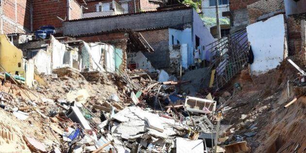 Italia Uruguay Mondiali 2014: si gioca a Natal. La favela vicino allo stadio inghiottita da un cratere,...