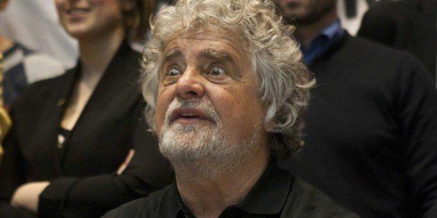 Beppe Grillo dà le direttive ai suoi in vista dell'incontro con Matteo Renzi: