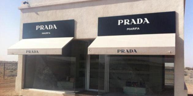 Prada: c'è un negozio nel mezzo del deserto ma sta per chiudere