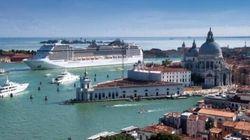 Venezia invasa dai