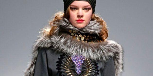 Moda Parigi / Sfilano Balenciaga di Wang, Balmain,
