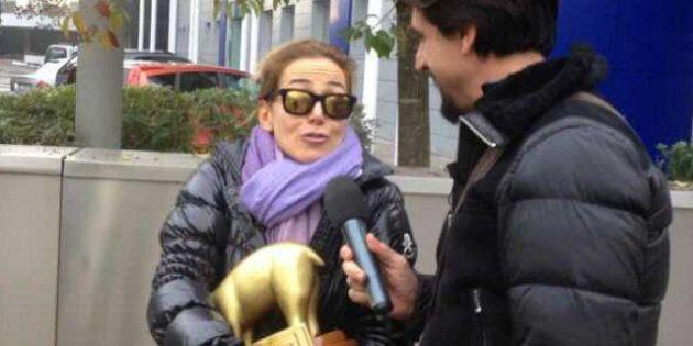 Tapiro d'oro per Barbara D'Urso dopo l'intervista a Silvio Berlusconi a Domenica Live. E sul fuori onda...
