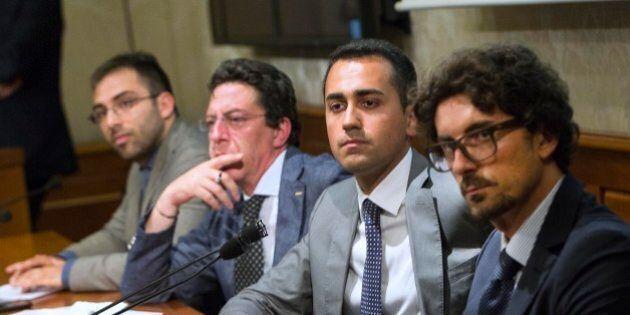M5s prova a forzare la mano dopo il primo contatto con Renzi: