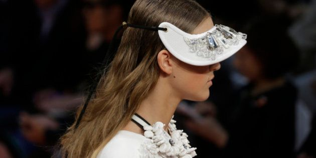 Milano Fashion week: Marni romantica, volumi fluttuanti e