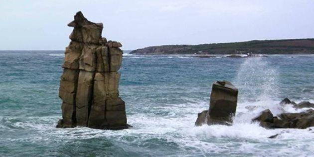 Sardegna ciclone Cleopatra, la mareggiata abbatte una delle colonne di San