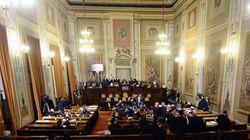 In Sicilia l'asse Pd-M5S abolisce le