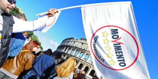 Movimento 5 stelle, in una mail la scomunica di Lorenzo Battista. Ma eletti e attivisti si ribellano...