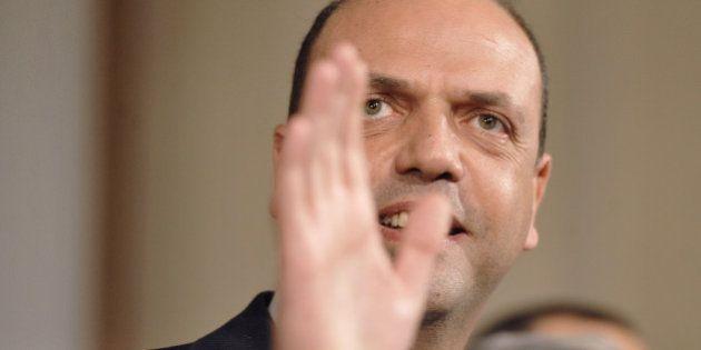 Governo Renzi, le condizioni di Alfano: l'Interno, un patto alla tedesca, e la riapertura del confronto