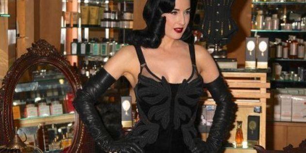 Dita Von Teese glamour e fetish per lancio suo nuovo profumo