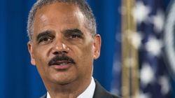 Holder si dimette da ministro della Giustizia, Obama perde un pezzo da