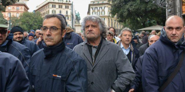 Sciopero trasporti Genova, al corteo arriva anche Beppe Grillo: