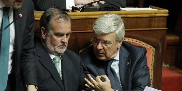 Riforma del Senato: Il testo di Renzi è inammissibile? Forza Italia ritira il sostegno alla richiesta...