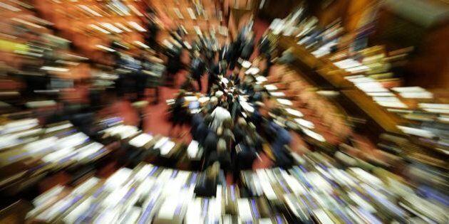 Riforma Senato, primi voti: tiene il patto del Nazareno, ma slitta il nodo dell'elettività. Forza Italia...