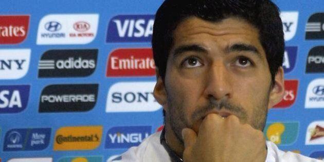 Luis Suarez si scusa con Giorgio Chiellini per il morso: