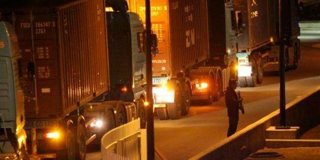 Cipro, dall'Europa i container con 5 miliardi di euro in contanti per le banche dell'isola