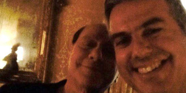 Ncd: selfie, epurazioni e ritorni da Silvio Berlusconi. E' iniziato il cupio dissolvi del partito di...