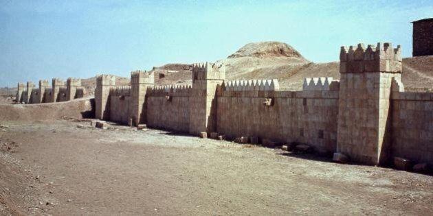 Is, la vendita di reperti archeologici per finanziare la missione dello Stato Islamico. E gli archeologi...