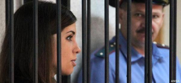 Pussy Riot, Nadia Tolokonnikova inizia lo sciopero della fame. Contro le condizioni disumane del carcere