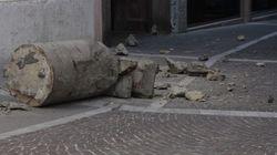 Padova, un camioncino distrugge la