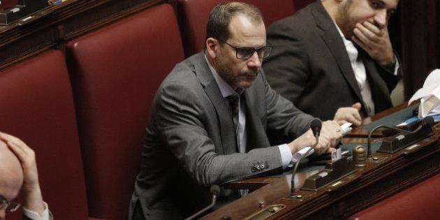 Tommaso Currò lascia il gruppo M5s alla Camera e vota la risoluzione della maggioranza sulle politiche