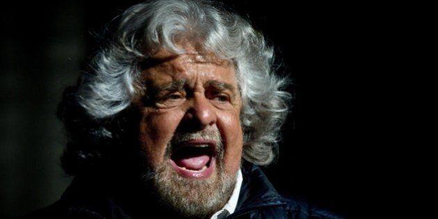 Beppe Grillo attacca l'Unità:
