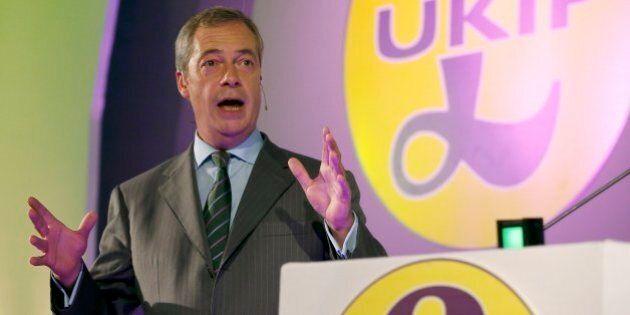 Wag tax, Nigel Farage fa marcia indietro sulla tassa sui beni di lusso: